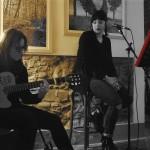 Lisa Luperini alla voce, Linda Guidi alla chitarra (2)